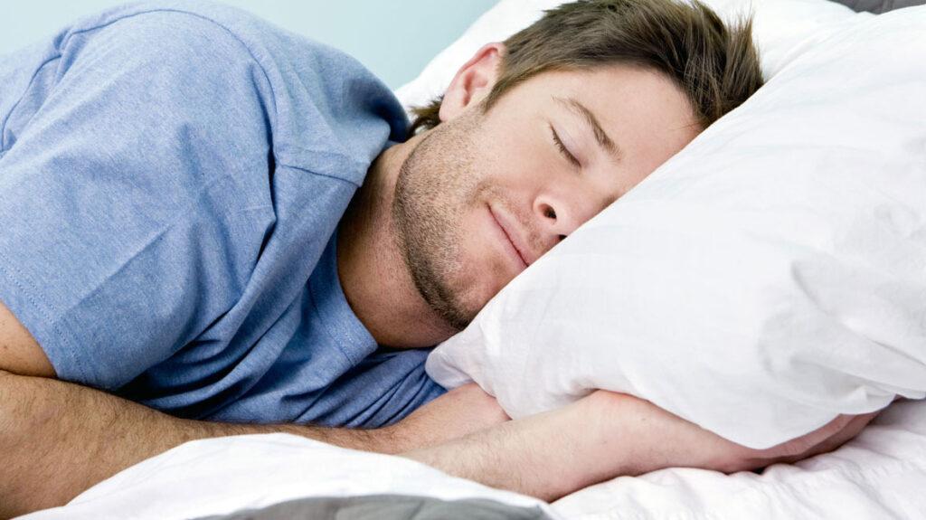 ¿Qué hacen los empresarios más exitosos del mundo antes de irse a dormir?