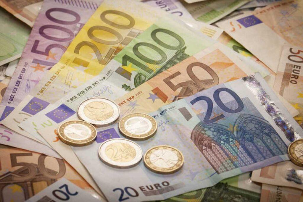 Riqueza financiera de los hogares crece 3% por reducción de deudas